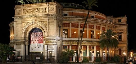 Palermo - Teatro Politeama - Notturno copyright © Rosario Miceli