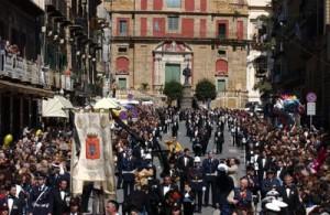 Corteo della Real Maestranza a Caltanissetta - da lamiasettimanasanta.net