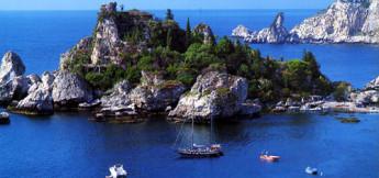 Veduta di Isolabella da Taormina