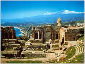 Panorama dal teatro greco di Taormina
